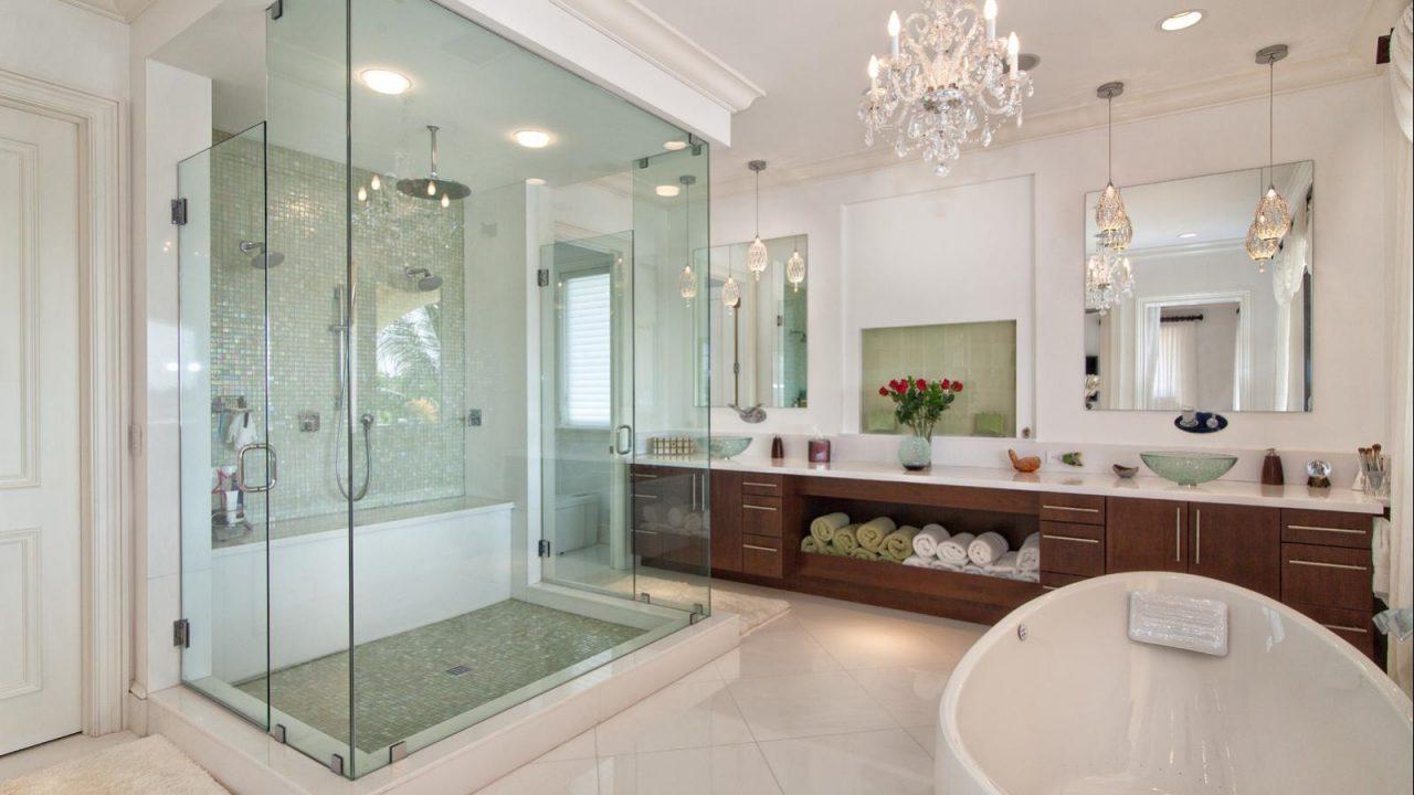 cancelería de aluminio y cristal tamplado para baño